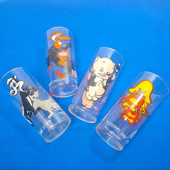 VTG 1973 Looney Tunes Collector Glasses Pepsi